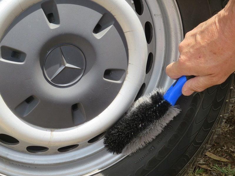 filko-cleaning-products-vehicle44